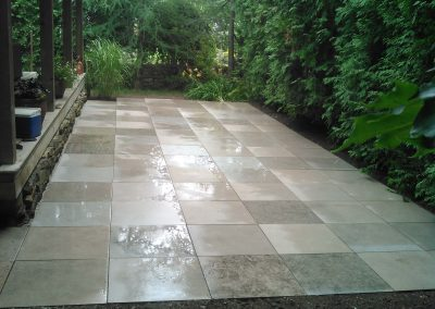 Sandblasted squarecut flagstone patio